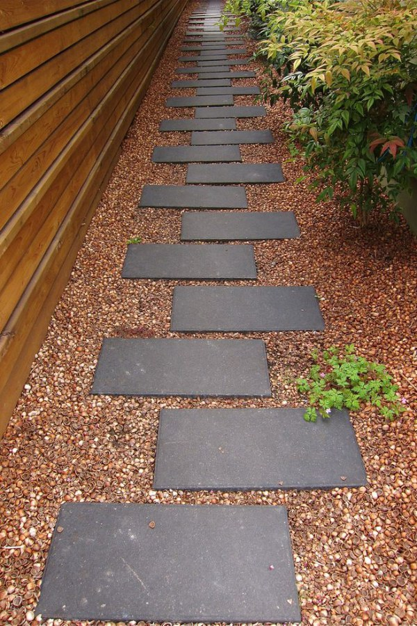 Alternate Gray Stone Garden Path